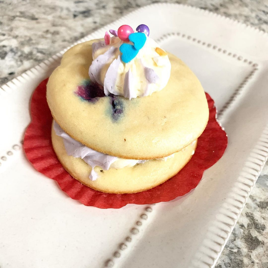 Unicorn whoopie .  #buzzfeedfood #food #viral #lovefood #treatyoself #lizzybeesworld #donuts #bakery #keto #vegan #protein #donuts #cakes #brownies #sweet #healthy #homemade #smallbusiness #healthyfood #healthyrecipes #healthylifestyle #preworkout #postworkout #lancaster #palmdale #av #ca #cali #california #proteindonuts Unicorn whoopie .  #buzzfeedfood #food #viral #lovefood #treatyoself #lizzybeesworld #donuts #bakery #keto #vegan #protein #donuts #cakes #brownies #sweet #healthy #homemade #sm #proteindonuts