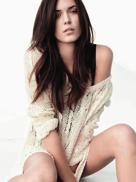 Body odette annable Odette Annable