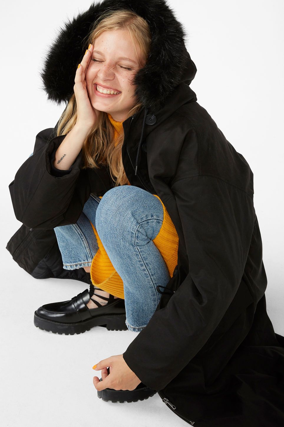 de3db5fc8bee Model front image of Monki padded parka coat in black