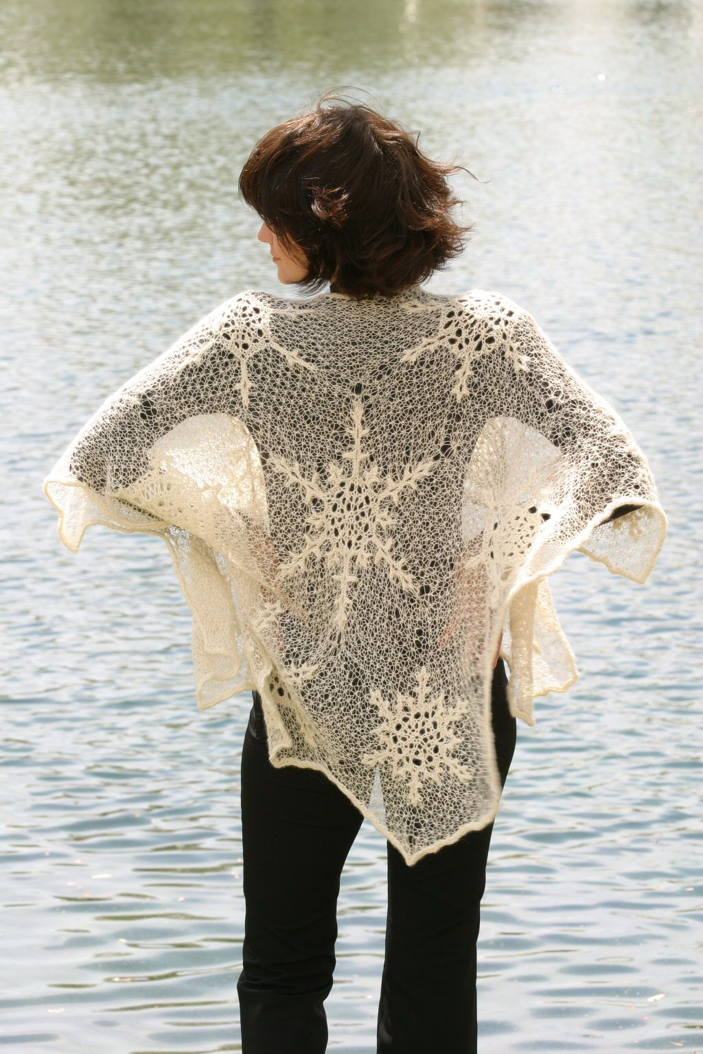 Winter wonderland shawl this is beautiful but its knitted how craft bankloansurffo Choice Image