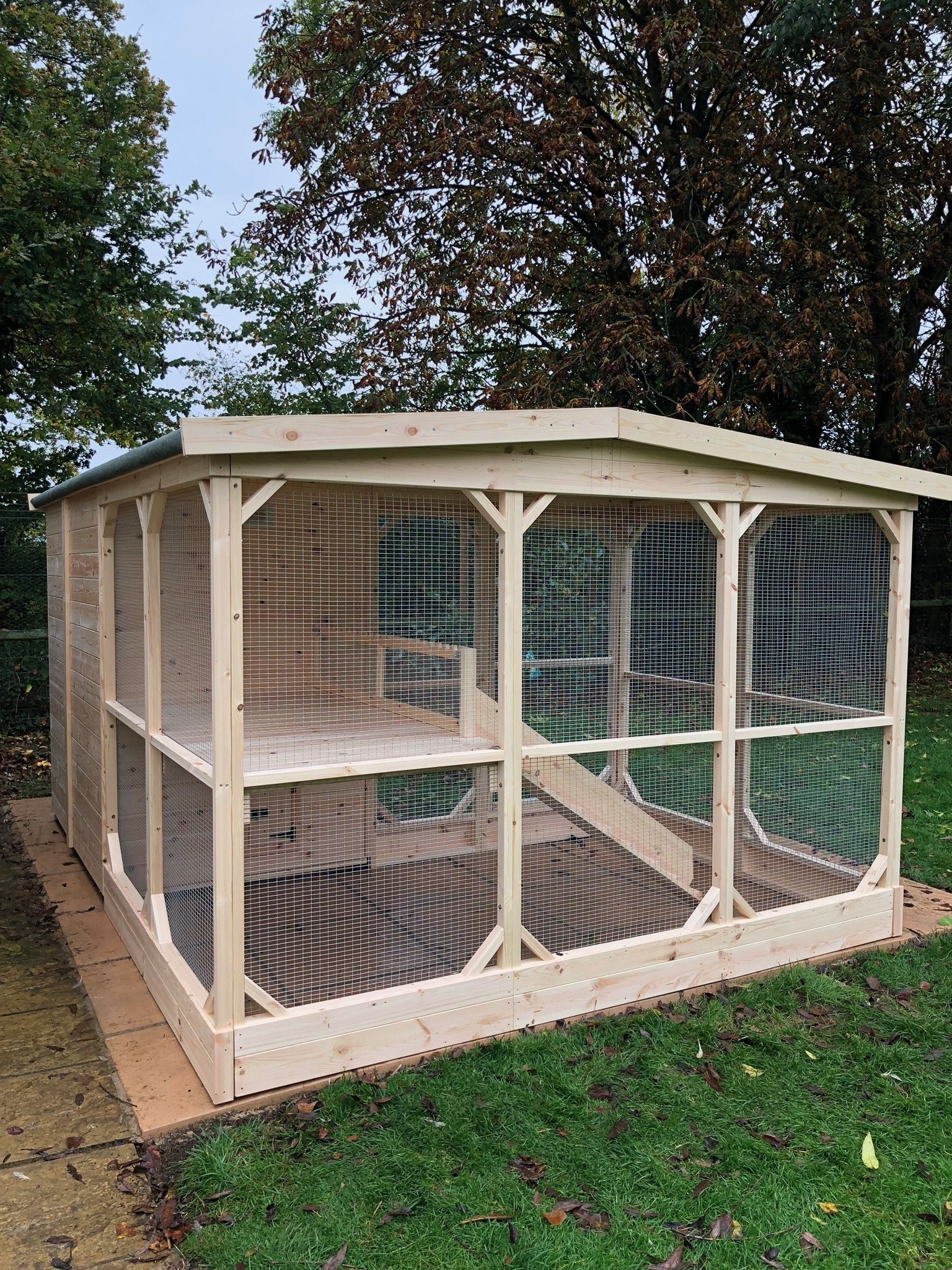6ft x 7ft L Shape Animal room, Rabbit hutches, Bunny house