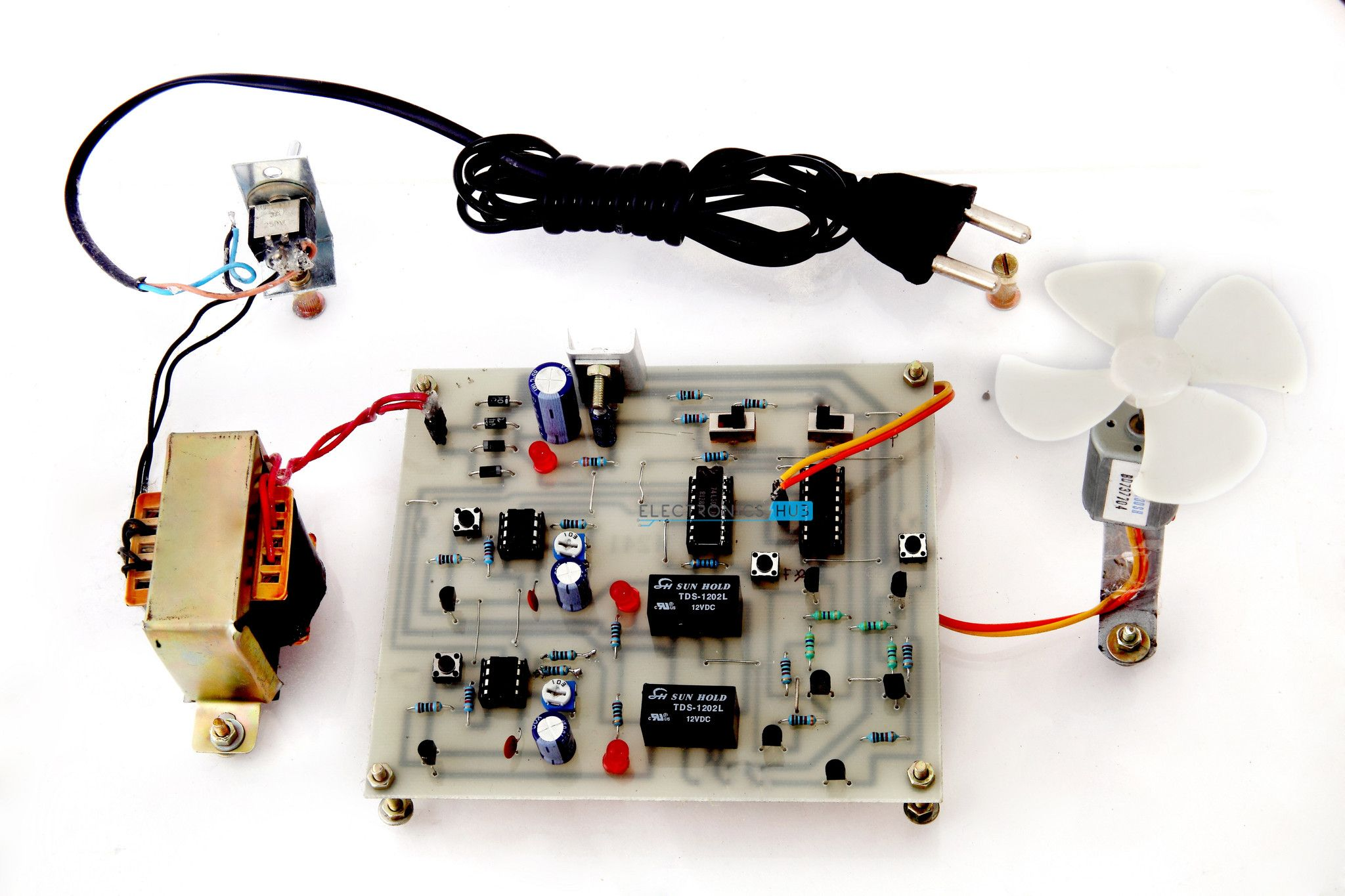 Four Quadrant DC Motor Control without Microcontroller ...