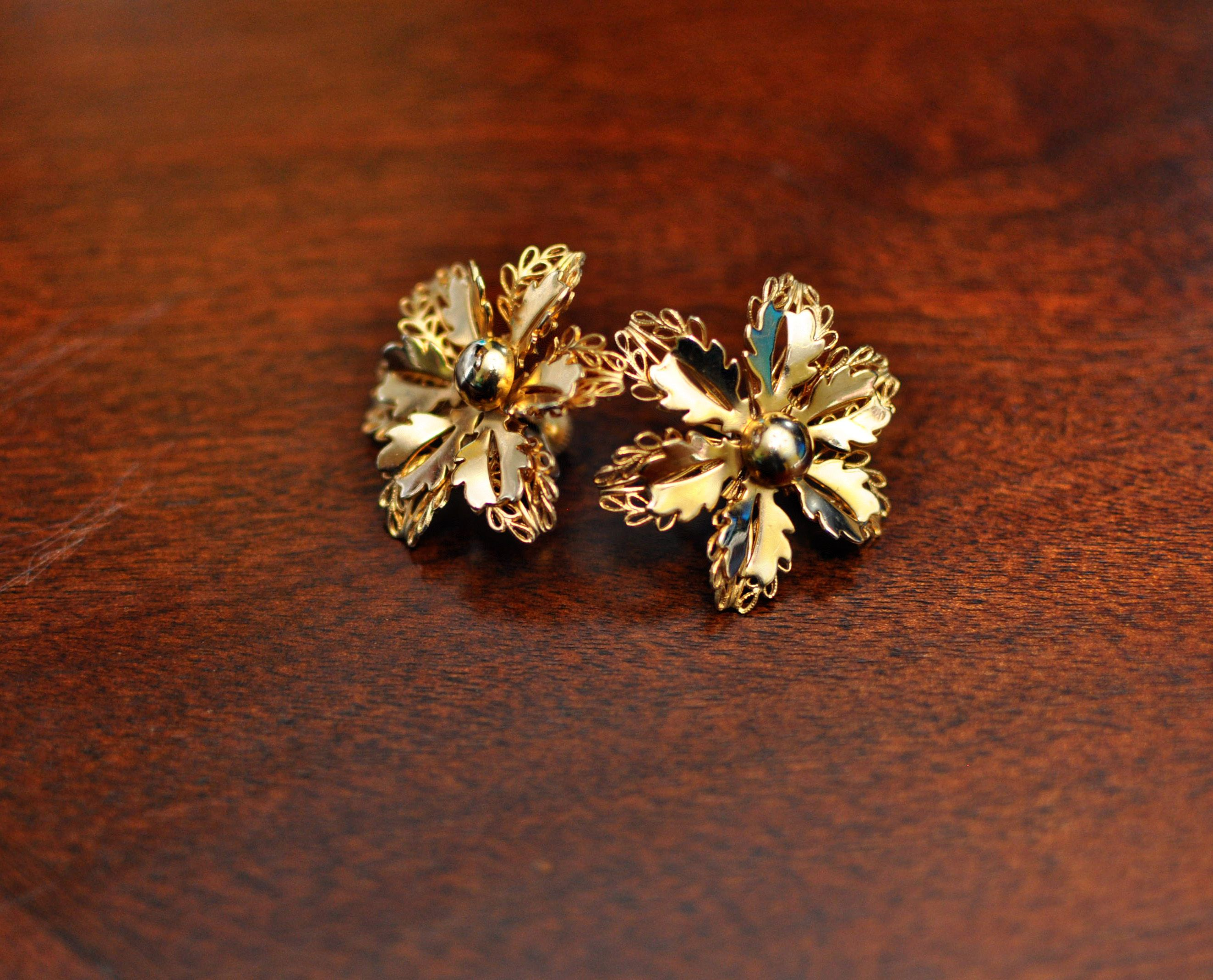 loading operandi oscar drop de moda la flower earrings renta gold by bold large