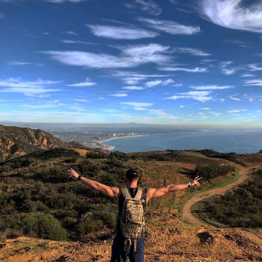 "@chris__valenzuela on Instagram: ""Another solid hike in these mountains ⛰🌅 #stayingactive#nature_seekers"""