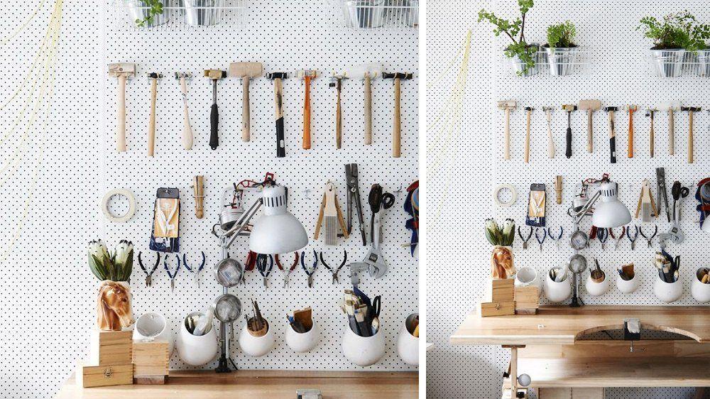 10 id es pour organiser sa maison avec des panneaux perfor s outils bricolage panneau perfor. Black Bedroom Furniture Sets. Home Design Ideas
