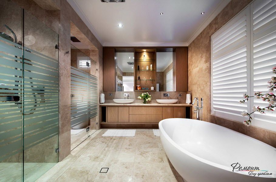 a big white bathtub and double sinks for luxurious bathroom design with glass panels decoration fascinating - Big Bathroom Designs