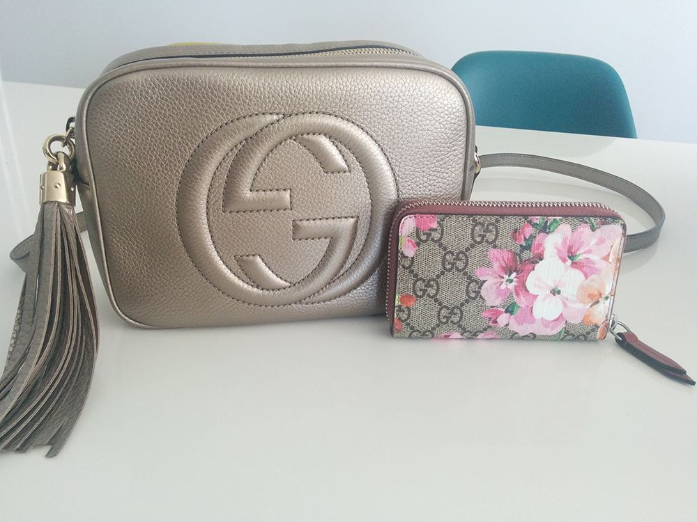 fadf3c9b6de Gucci Soho Disco Bag Card Case  Gucci GG Blooms Card Case Shop Soho Disco    980 via Gucci Shop Card Case   295 via Gucci