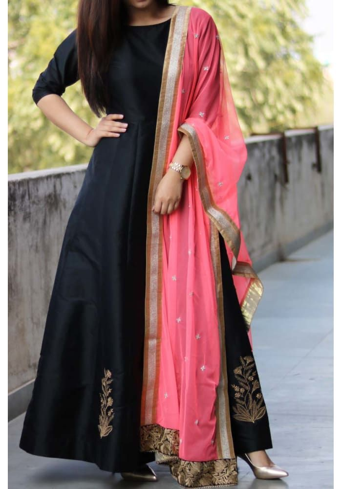 Black Embroidered Anarkali   Indian   Pinterest   Vestido largo ...