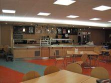 La escuela tiene todo tipo de instalaciones y comodidades a las que podrás acceder sin problema.