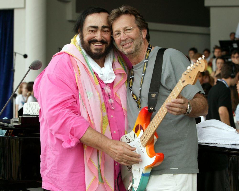 Luciano Pavarotti and Eric Clapton.jpg (1000×800)