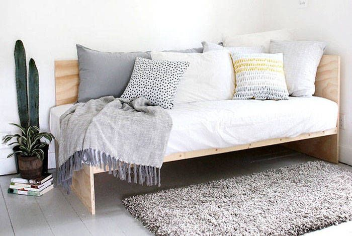 bett selber bauen 12 einmalige diy bett und bettrahmen ideen johannes zimmer pinterest. Black Bedroom Furniture Sets. Home Design Ideas