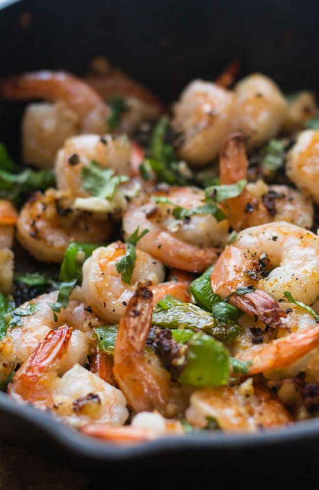Garlic pepper shrimp recipe can be made in 15 minutes with lesser ingredients. Perfect for dinners and can also be served as appetizers.