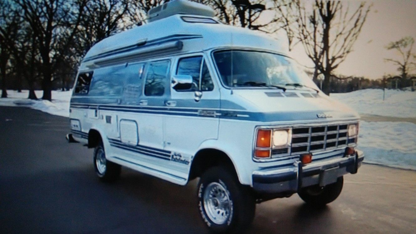 Really nice dodge van 4x4 | cool 4x4 vans | Dodge van, 4x4 van, Vans