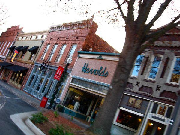Historic Downtown Milledgeville. Http://www.georgiatrust
