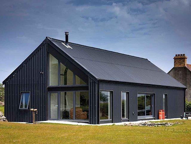 Low Cost Energy Efficient Rectangular Design Ken Gill S Rectangular Design Is Low Cost And Energy Efficient Barn Style House House Cladding Modern Barn House