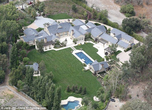 Kim And Kanye S 20 Million Mansion Has The Finishing Touches Put