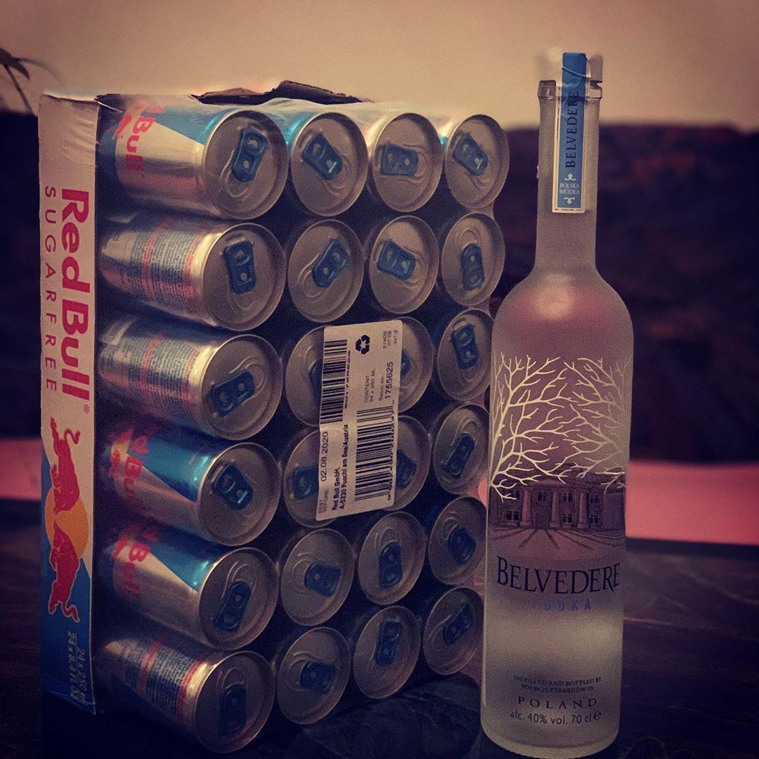 Die Beste Vodka Geniesst Man N Mit Redbull Sugafree Belvederevodka Redbull Redbull Sugafree Belvederevodka Belvedere Vodka Loveit Alcohol Del