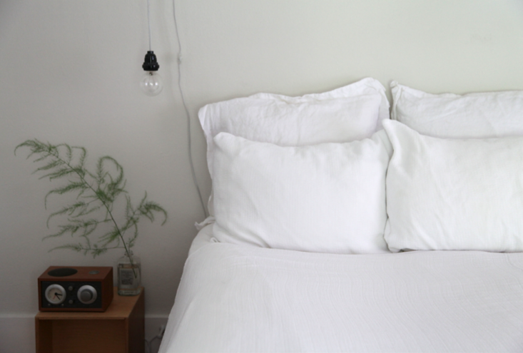 DIY Homemade Muslin Sheets by Sarah Lonsdale | Remodelista