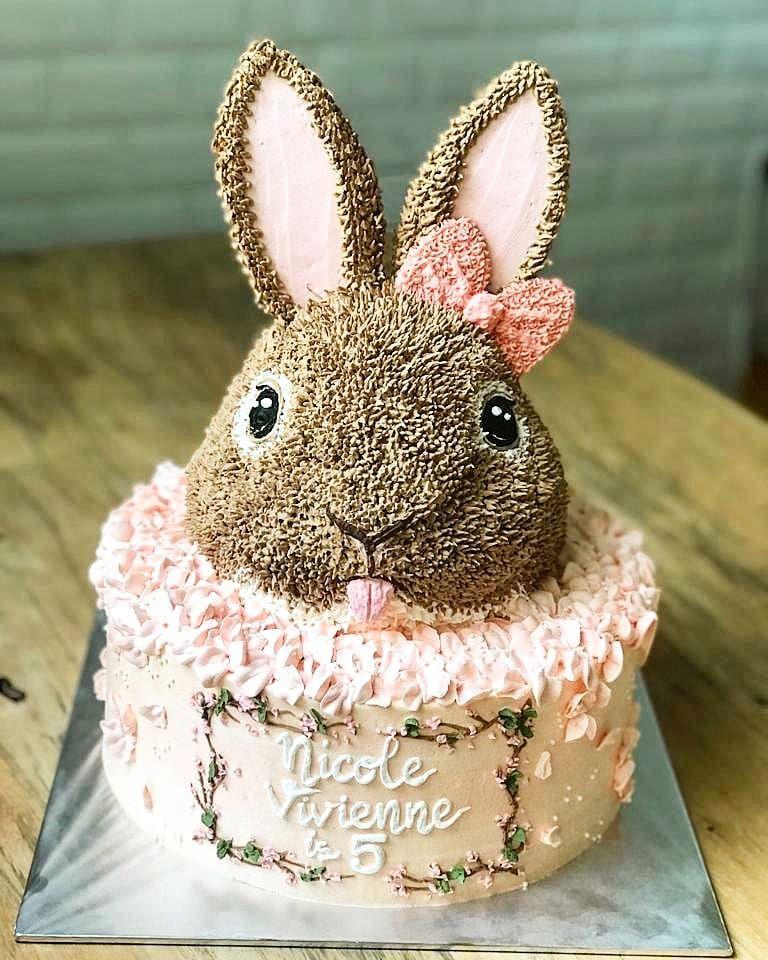 Birthday Cake Bandung : birthday, bandung, Buttercream, #buttercreamcake, #buttercreamflowers, #bandung, #bandungcake, #bandungjuara, #birthdaycake, #birt…, Cinderella, Birthday, Cake,, Little, Cakes,, Cakes