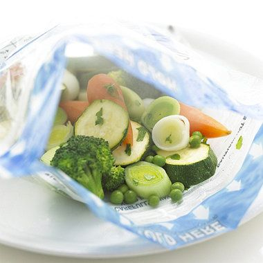 Zip 'n' Steam Cooking Bags for healthier steamed vegetables #newyear #healthy #clever