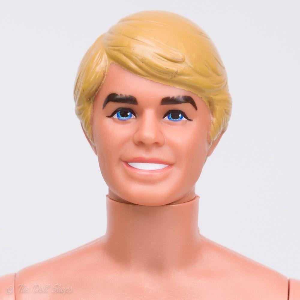 Mattel Ken Sunsational Altro Bambole
