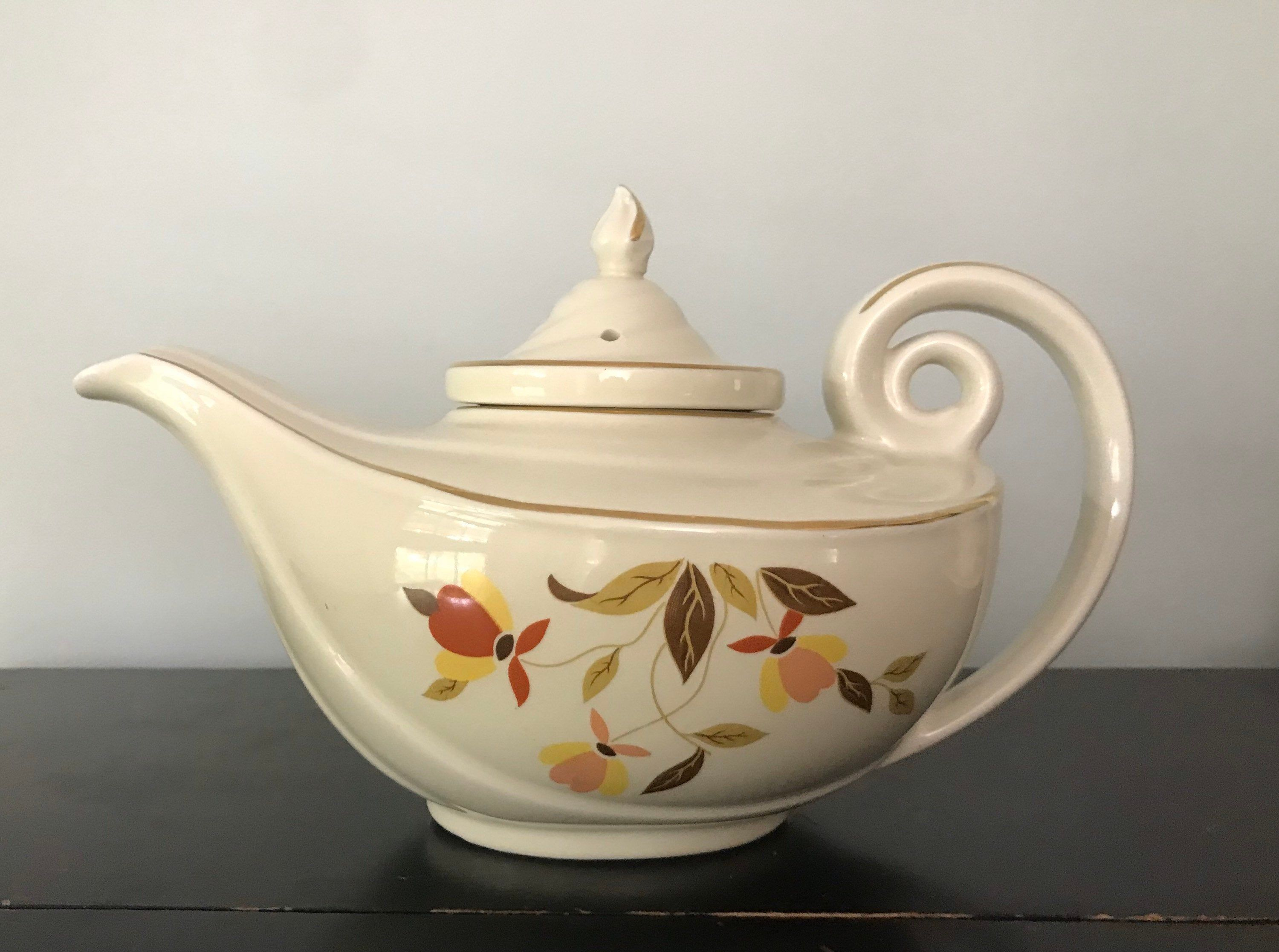Hall S Superior Quality Kitchenware Aladdin Teapot With Etsy Tea Pots Vintage Tea Pots Pewter Candle Holders