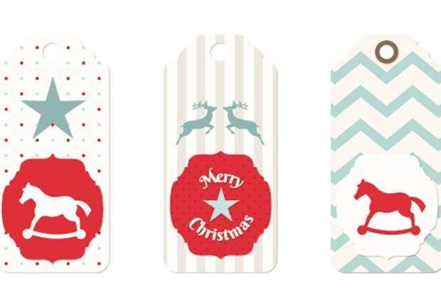 Des étiquettes de Noël à imprimer #etiquettesnoelaimprimer Des étiquettes à imprimerAdorables et super pratiques, ces petites étiquettes de Noël à accrocher sur vos paquets cadeaux. Téléchargez-les et imprimez-les sur du papier cartonné ou autocollant, c'est encore mieux. C'est sûr, la personne qui recevra le présent sera très touchée. #etiquettesnoelaimprimer