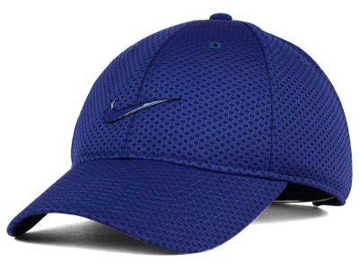 Nike Heritage Dri-Fit Mesh Cap.