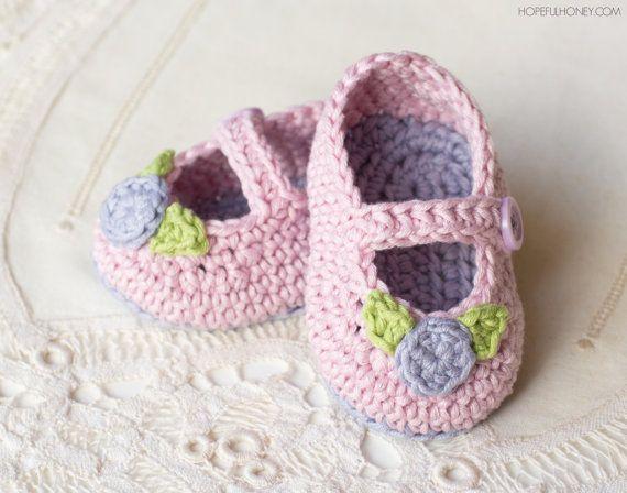 CROCHET PATTERN - Mary Jane Rosebud Baby Booties   Baby-schuhe ...