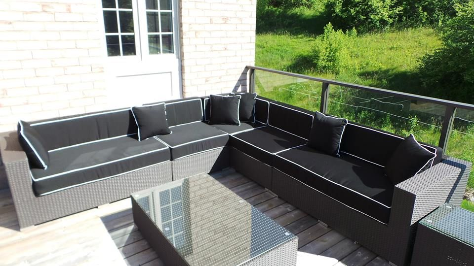10 x 10 sectional with center table and side table