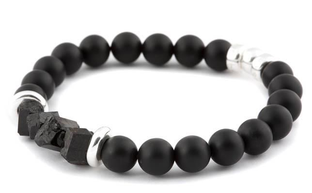 [BRACELET BE DARING NOIR / BLACK BE DARING BRACELET] Bracelet pour hommes en onyx mat 10mm, tourmaline argent 925. | Bracelet for men in 10mm matte onyx, tourmaline and sterling silver.
