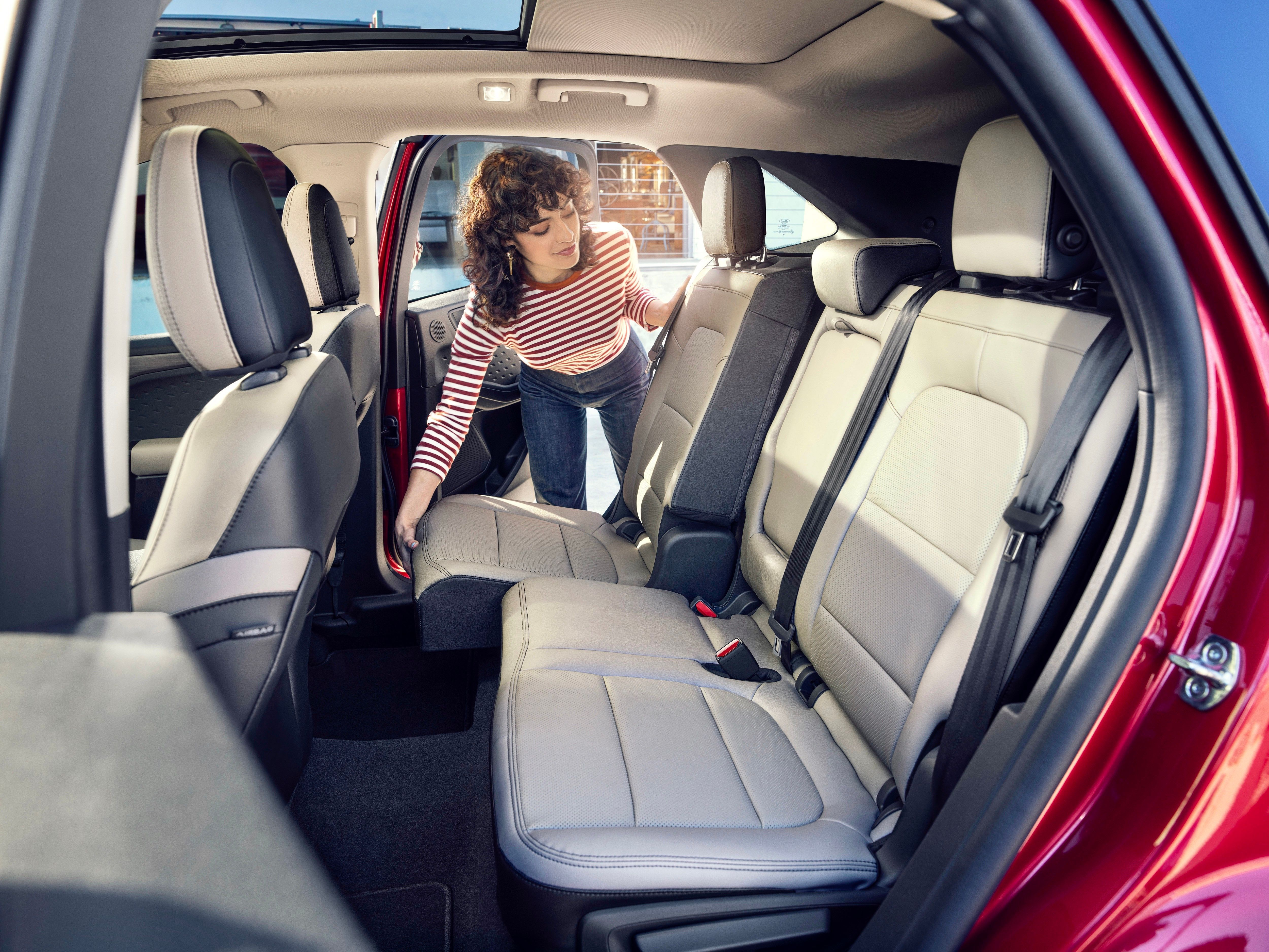 2020 Ford Escape Second Row Legroom And 37 5 Cubic Feet Of Cargo Space Fordescape2020 Ford2020 Billbrownford In 2020 Ford Escape New Cars For Sale Ford