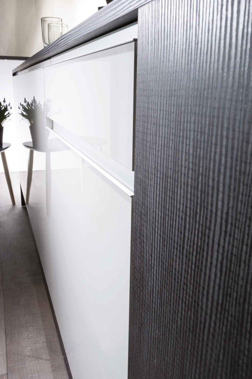 Poignée De Porte Cuisine Design invisible les poignées effily blanc sur une façade blanche
