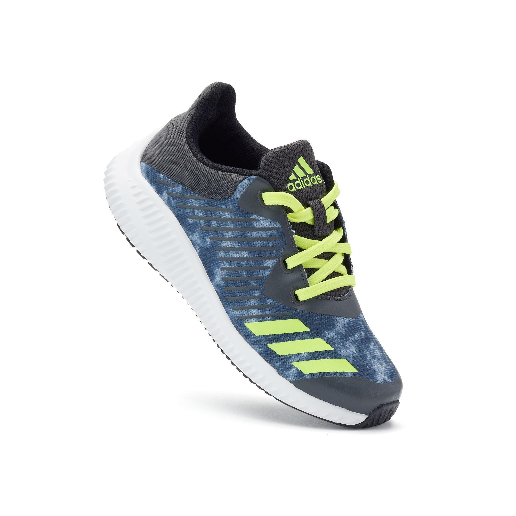 size 6 adidas trainers boys