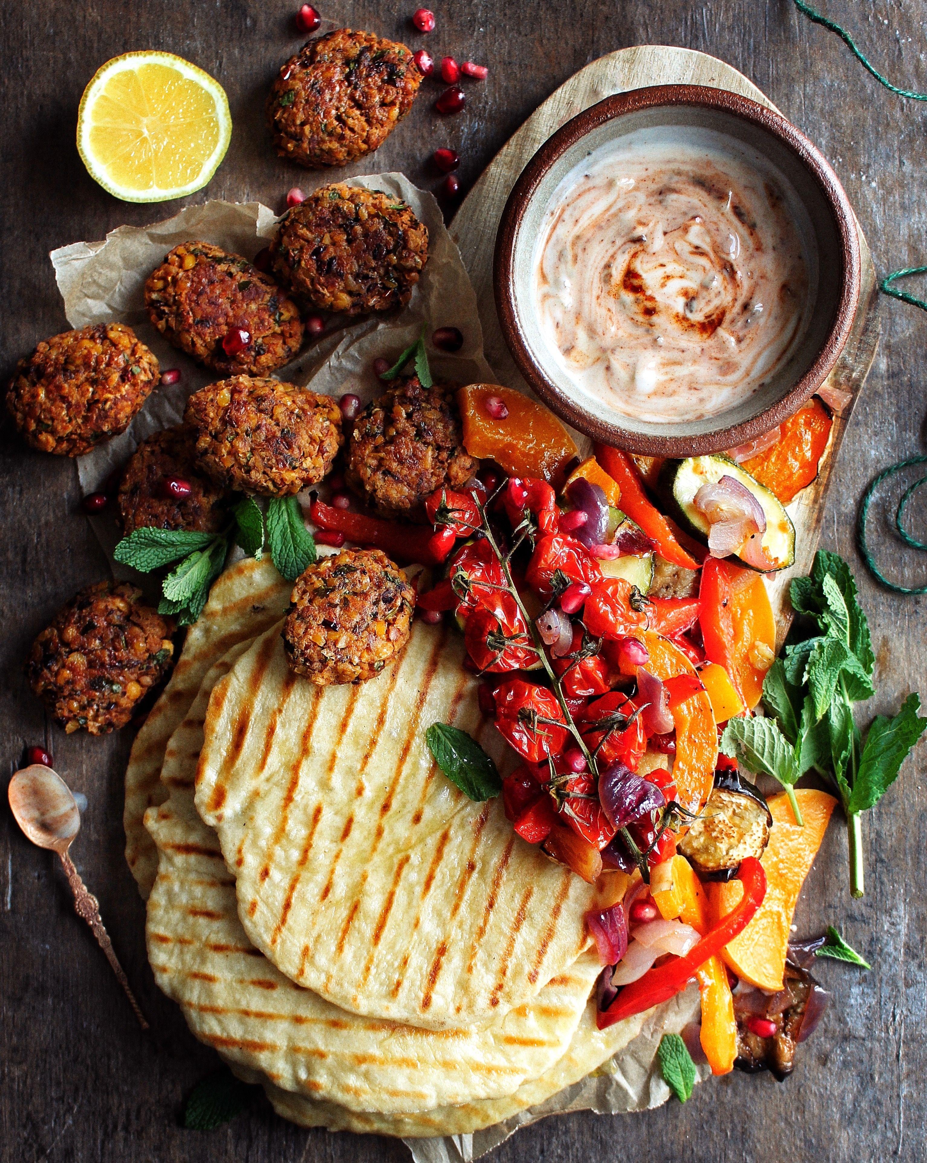 Falafel Flatbreads In 2019 Dinner Vegan Recipes
