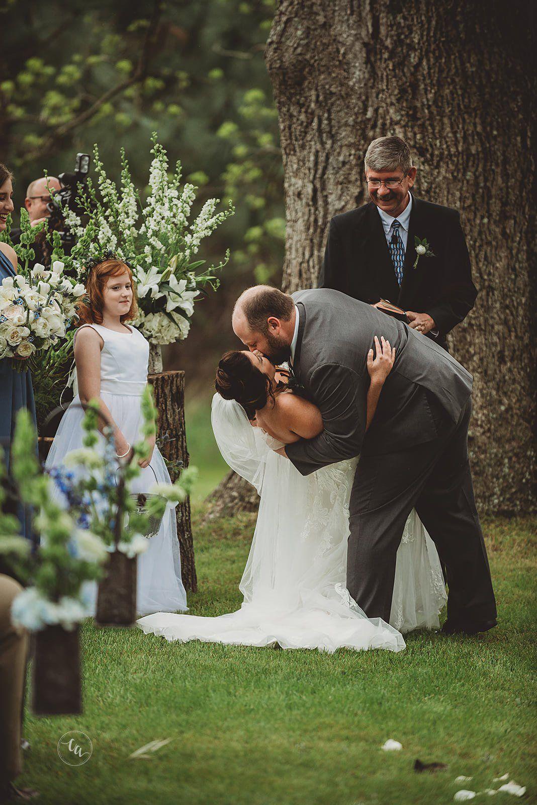Danielle Matt S Spring Wedding At Twin Oaks Farm Venue With Lodging Pecan