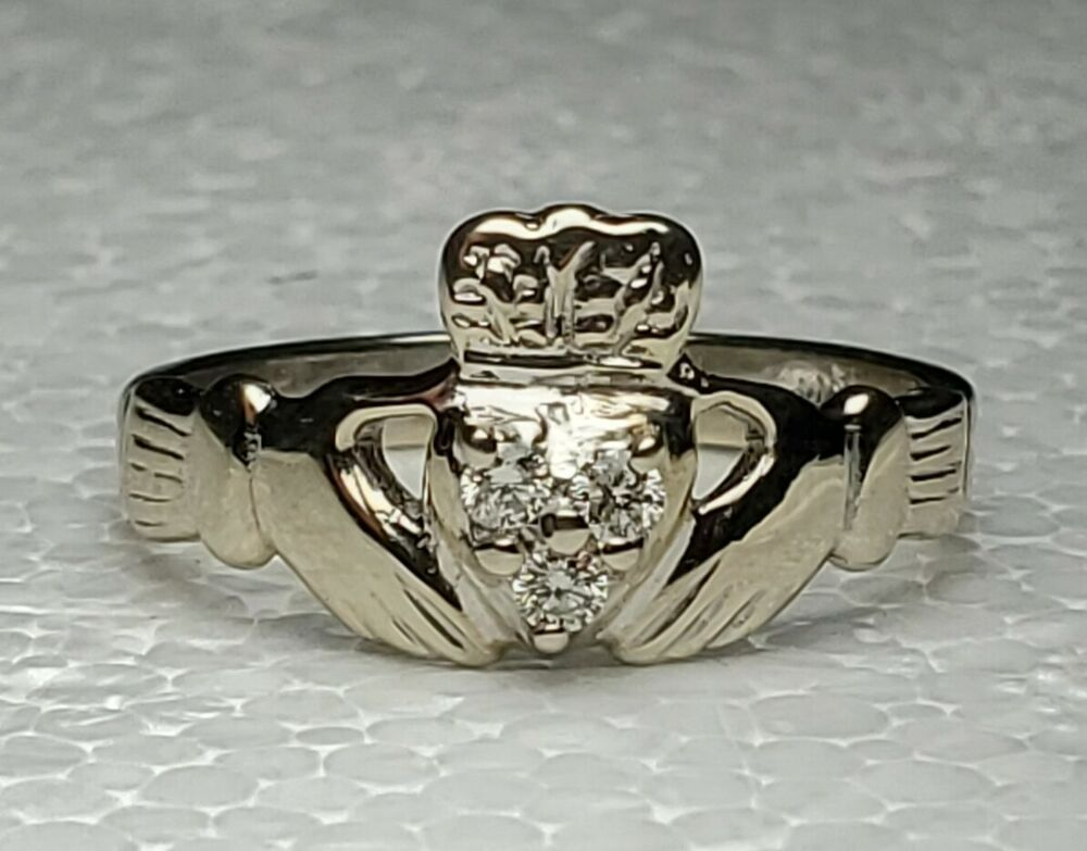 Estate 14k White Gold Diamond Claddagh Ring Size 6 25 Ireland Irish Free Us Ship Claddagh In 2020 White Gold Diamond Claddagh Ring White Gold Diamonds