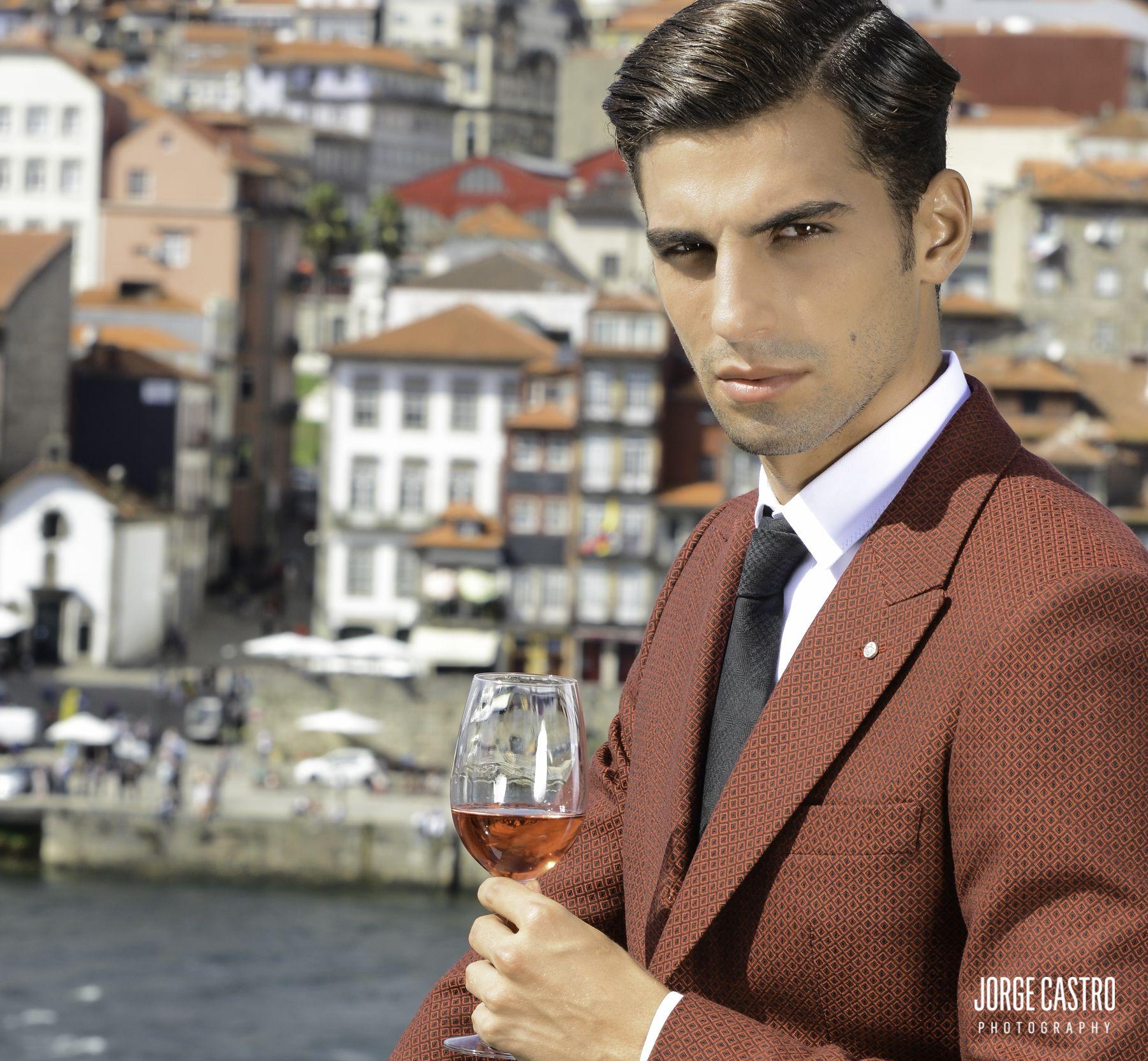 #outonoinverno16 #vicriporto #gofrey #photography #porto #portugal #portocruz #fashion #shooting #moda #vinhodoporto #clasico #jóias #Photo #toniguy #hairdres #stiling #franciscofaria #karacteragenci #menfashion #jorgecastro-photography.com