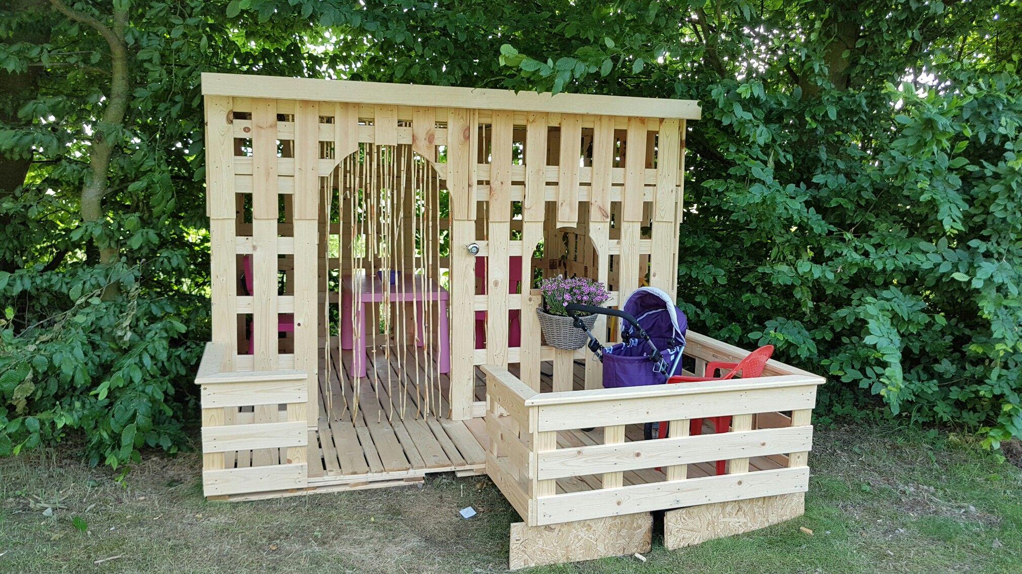 Selbstgebautes Gartenhaus aus Paletten 🏵 Gartenhaus