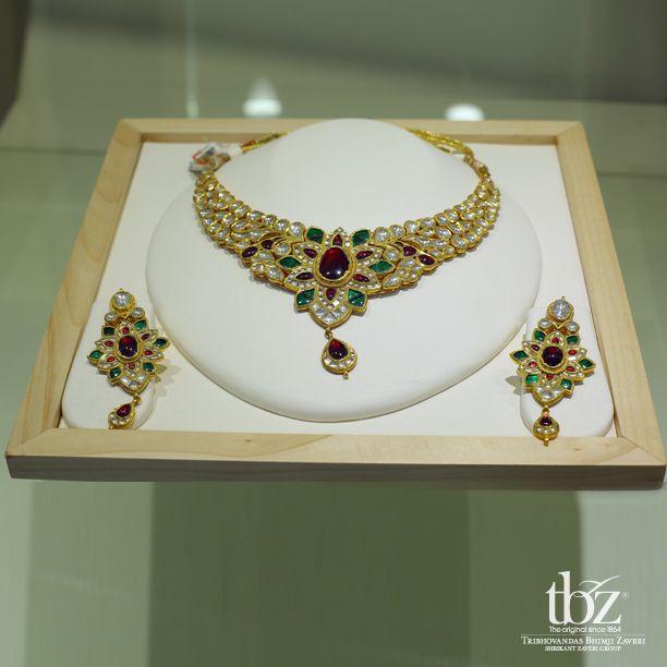 #Kochi #WeddingsbyTBZ #TBZ #Jewellery #Gold #Diamond #Jewels #India #Indian #Bride #Beauty #Beautiful #Necklace #Bracelet #Earrings