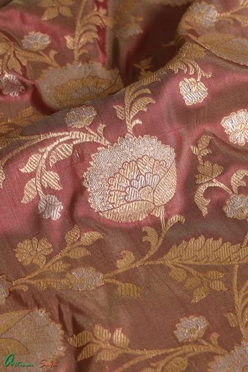 Banarasi Sarees | Banarasi Silk Saree | Banarasi Sarees Online #tanchoisarees #tanchoi #saree #sareefashion #designersaree #sareelover #indiansaree #sareeoverseas #sareelove #sareeswag #100sareepact #handloomsarees #indianwedding #ilovehandloom #weaversofinstagram #instafashion #bridal #indianwear #ethinicwear #handwoven #iwearhandloom #textilesofindia #sixyards #handcraftedwithlove #sareestory #sareeonline #sareeday #silksaree #cottonsaree #Banarasisarees #Paithanisarees #Patolasarees