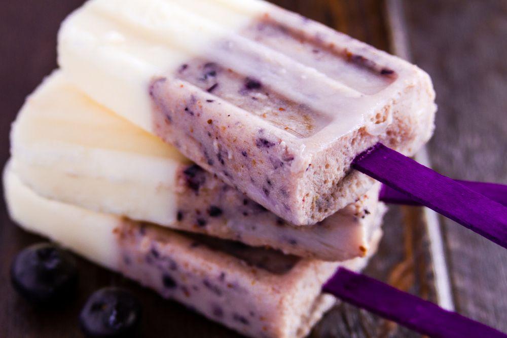 I ghiaccioli sono un'ottima soluzione per combattere il caldo con gusto, ecco una guida per realizzarli in casa: scopri tante idee rinfrescanti.