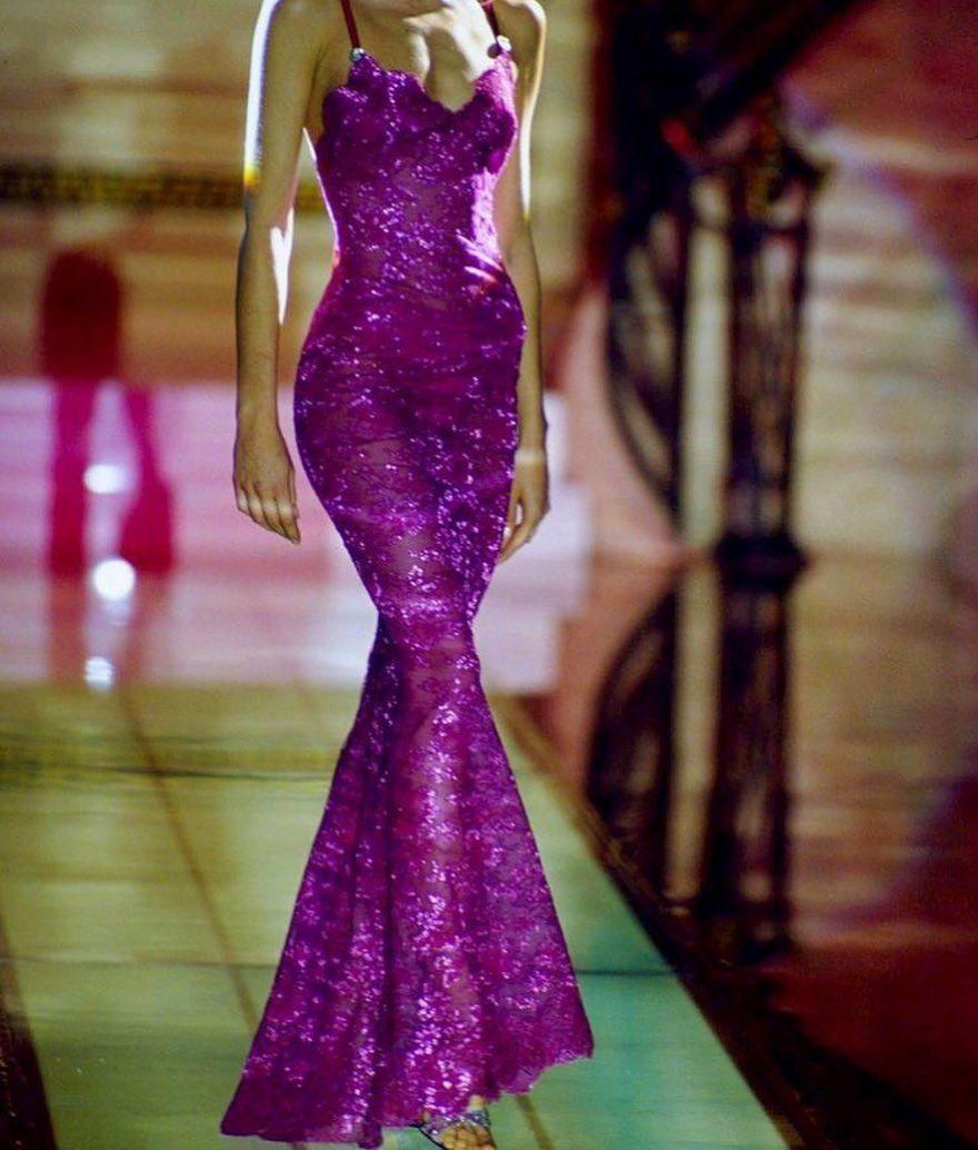 virgomood on Instagram Carla Bruni Versace 1996 in 2020