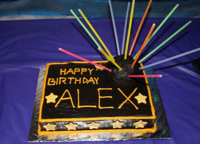 Laser Tag Cake With Images Laser Tag Birthday Laser Tag Party