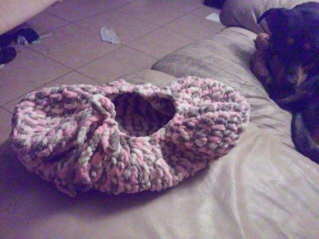 Crochet basket w/little Petunias(bernat baby blanket,K-DC) | crochet ...