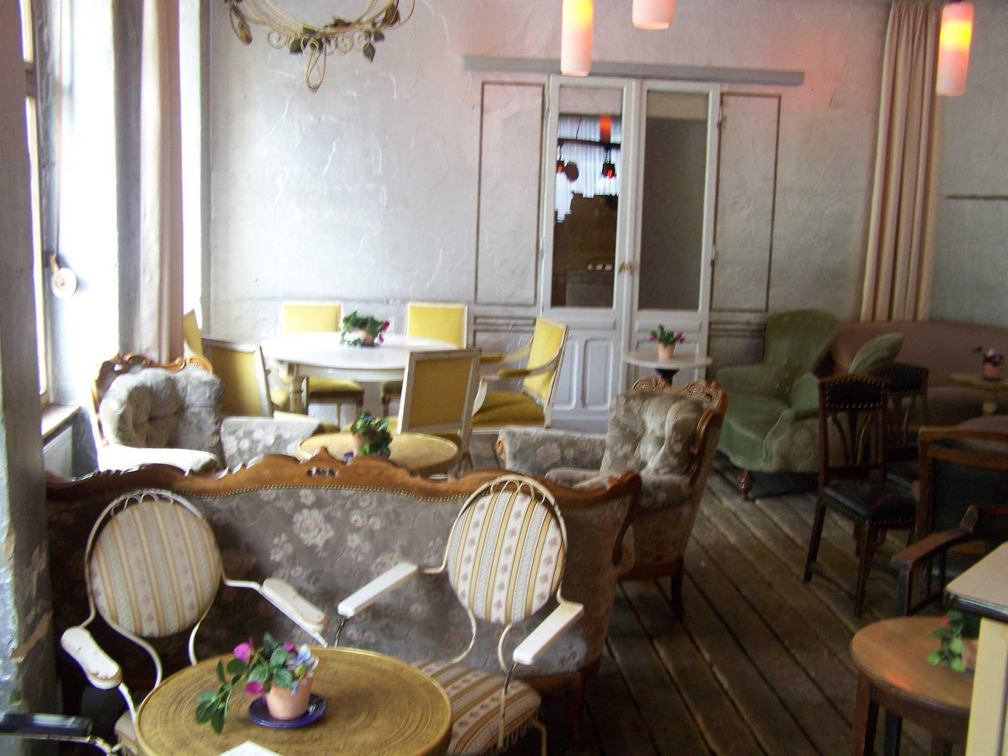 wohnzimmer prenzlauer berg Berlin  SHOP EAT SLEEP  Cafe restaurant Cafe shop und Berlin
