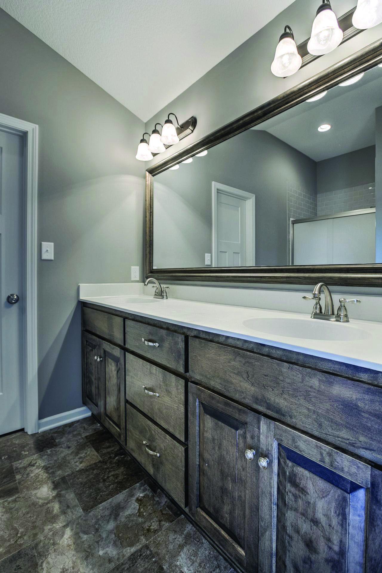 Cute Bathroom Wall Cabinets Small For 2019 Wohnung Einrichten Hausdekor Schlafzimmer Hausdekora Bathroom Wall Colors Master Bathroom Design Bathroom Decor