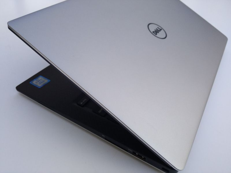 Dell XPS 13 9350 Laptop Will Still Charge with Dell 30-Watt