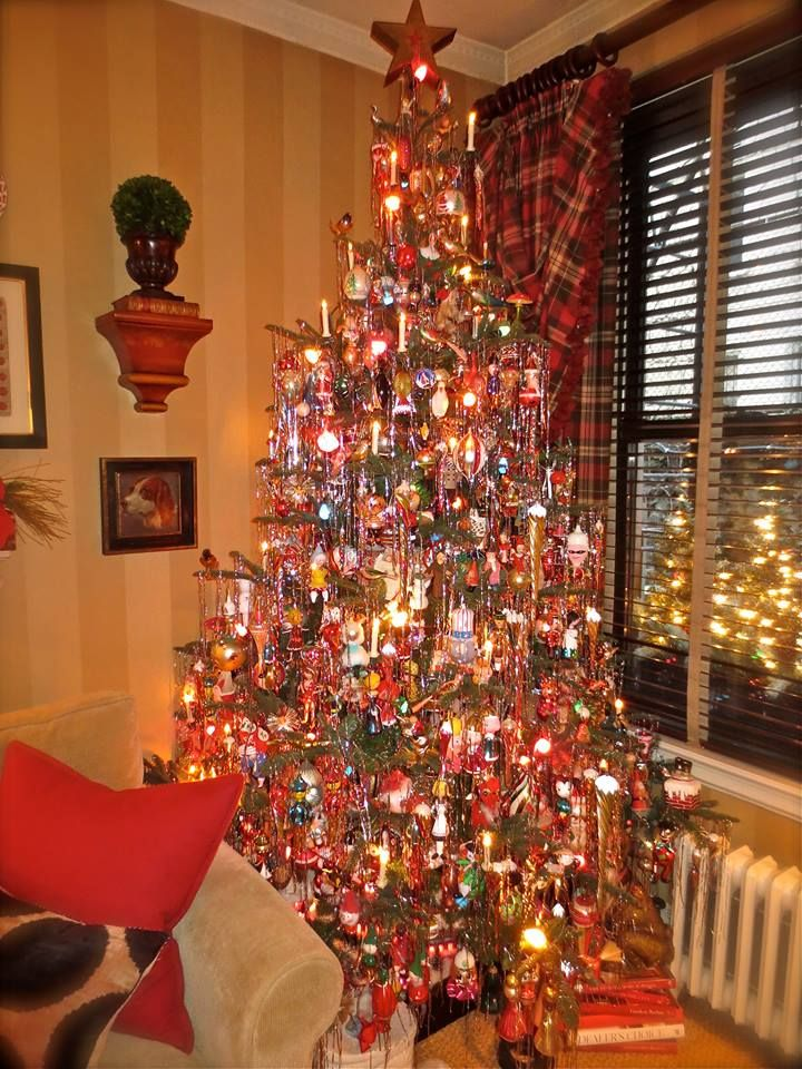 christmas tree with new and vintage ornaments tinsel c7 lights