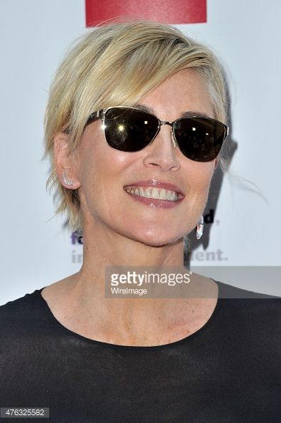 Sharon stone 2015 google search coupes courtes for Coupe de cheveux sharone stone